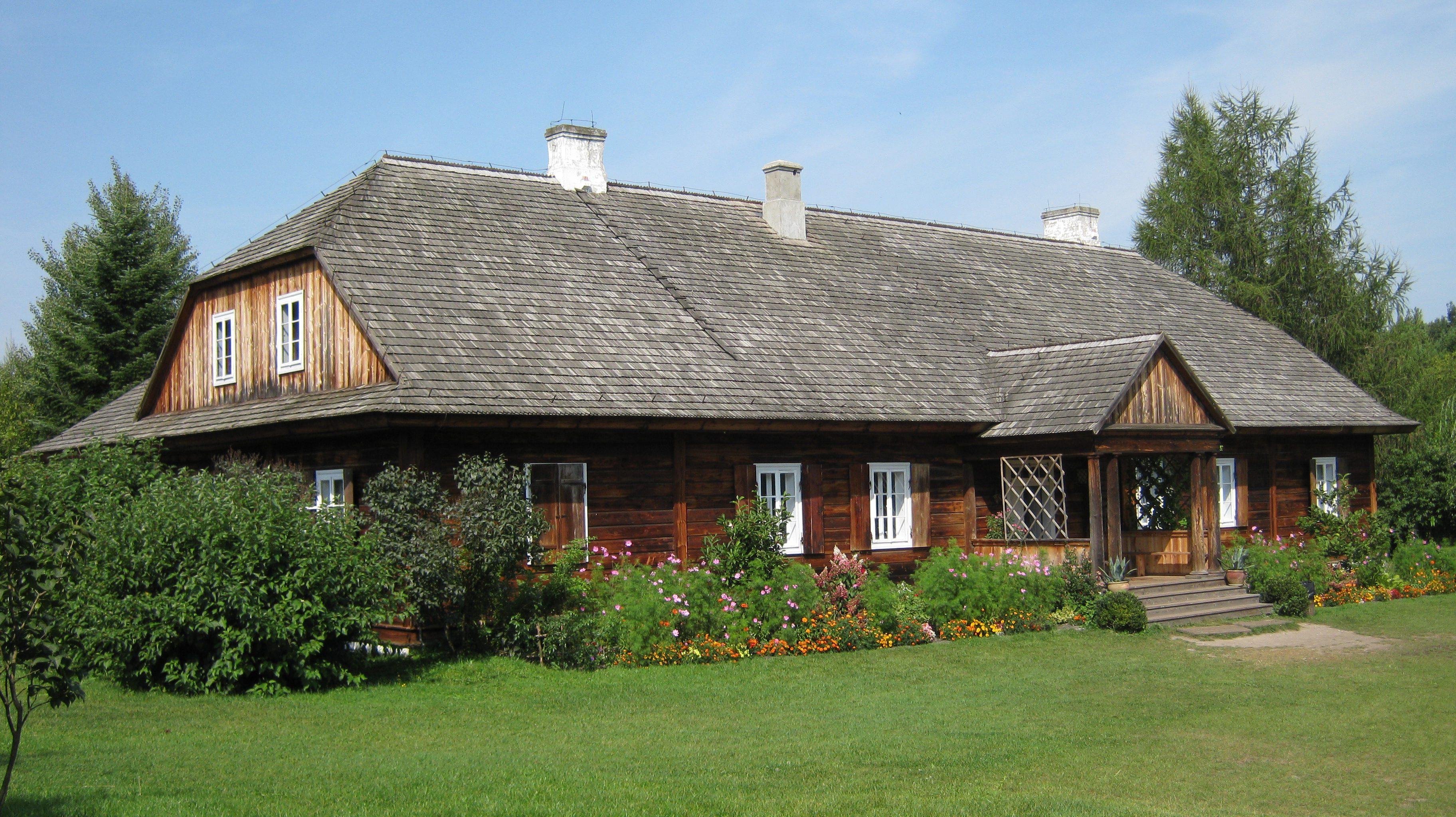 Drewniany dom z ziemi świętokrzyskiej
