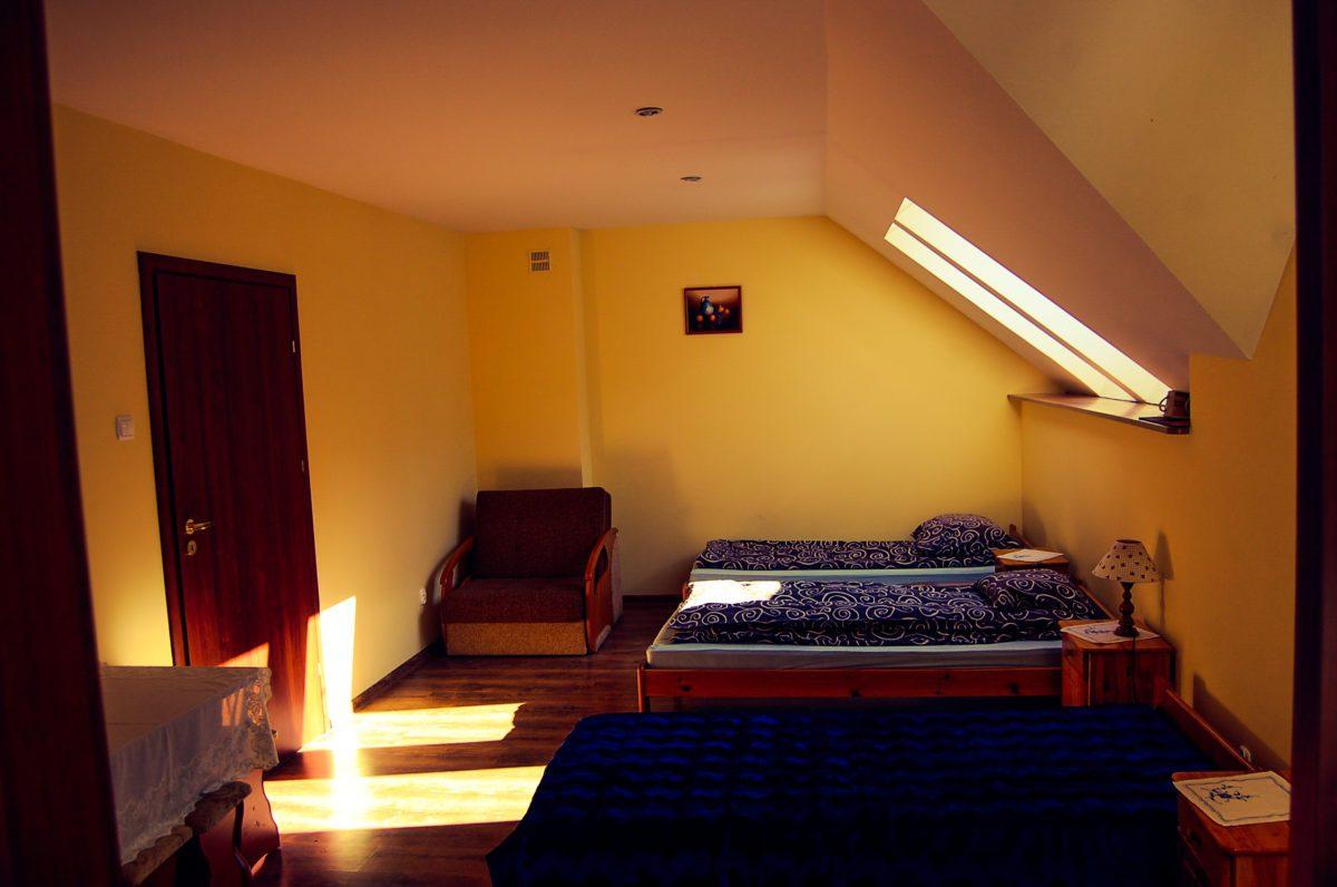 Ośrodek wypoczynkowy pokój trzyosobowy z łazienką
